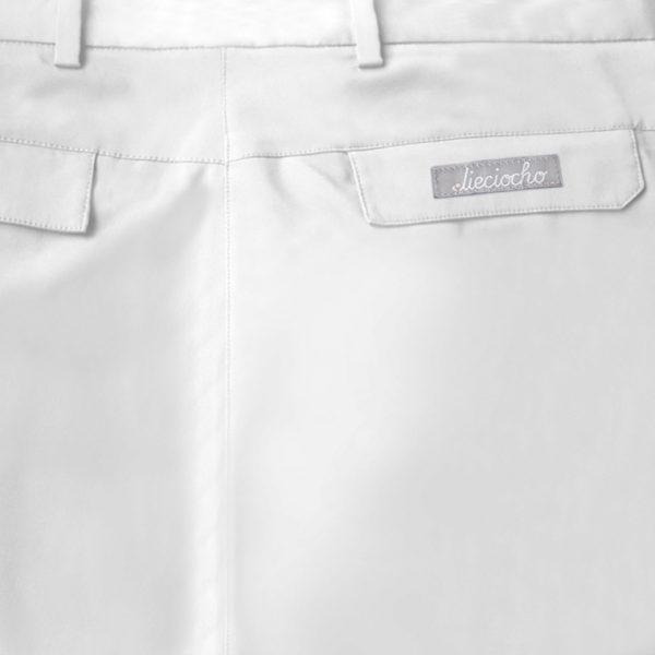 Detalle bolsillo pantalón de golf de hombre color blanco modelo par