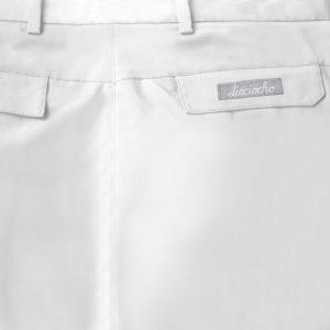 Detalle bolsillo bermuda de golf de hombre color blanco modelo par