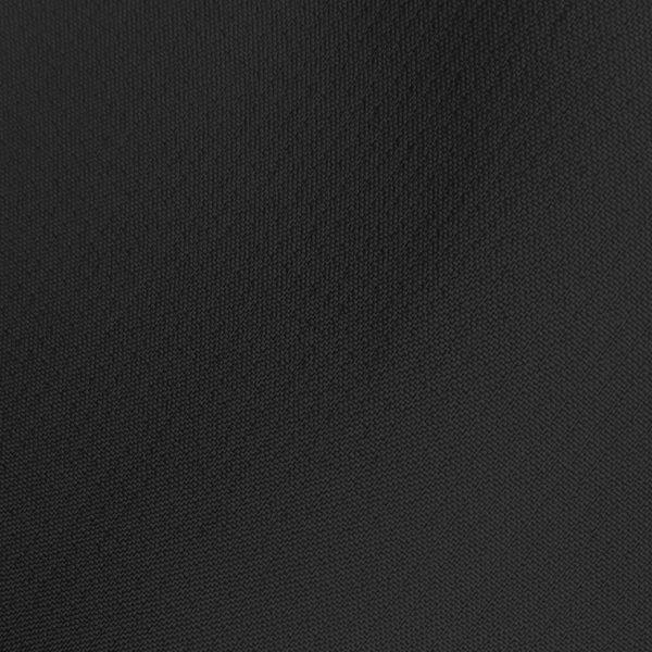 Detalle tejido bermuda de golf de hombre color negro par