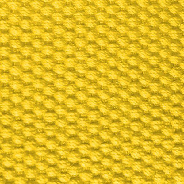 Detalle del cinturón amarillo modelo par