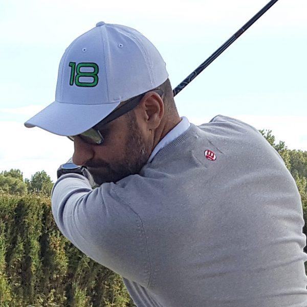 gorra de golf foursome blanca