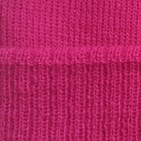 detalle tejido gorro de golf modelo caddie color fucsia