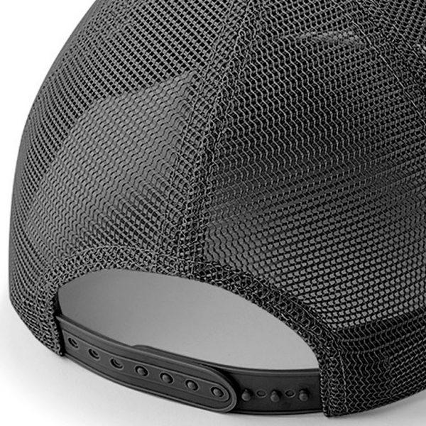 Detalle posterior gorra de golf color negra modelo draw