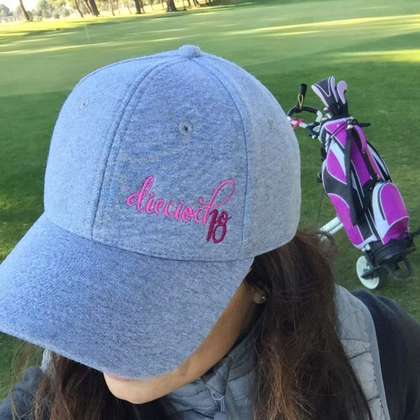 gorra de golf modelo lie gris clara