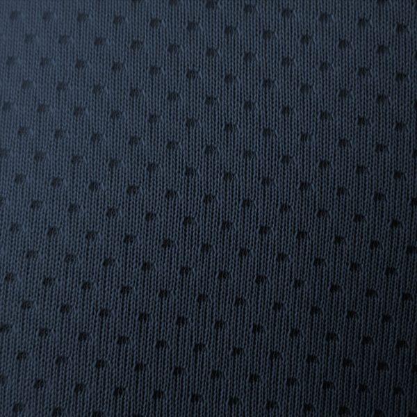 Detalle tejido de golf modelo spin color azul marino
