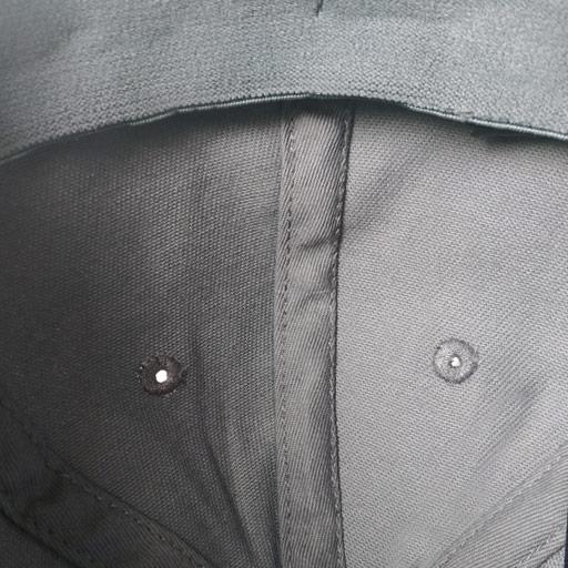 Detalle interior Gorra Golf gris modelo links