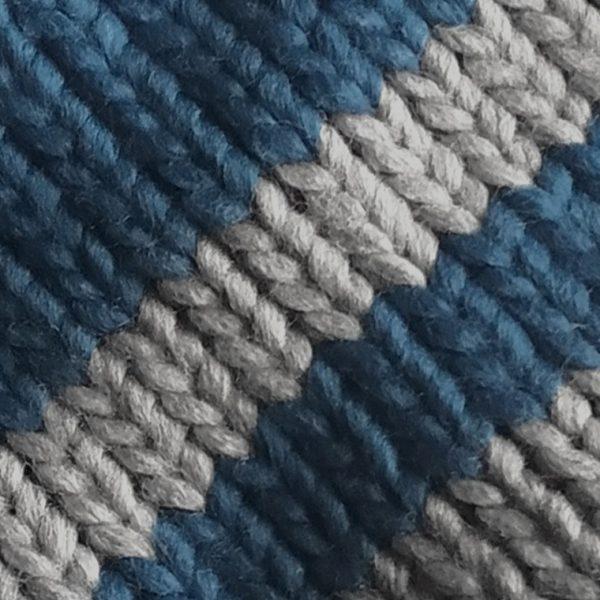 detalle-gorro-golf-fairway-azul-gris