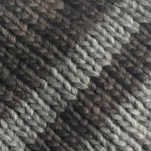 detalle-gorro-golf-fairway-gris-gris