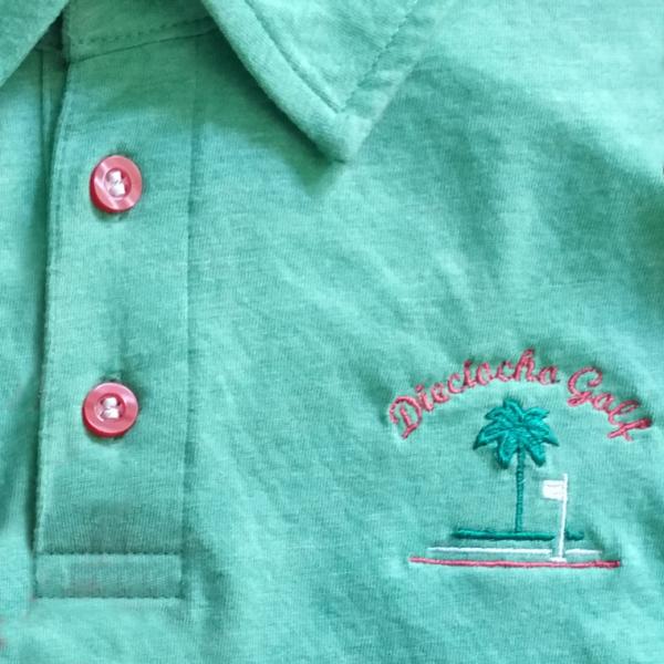 Detalle-Polo-verde-golf-hombre-beach